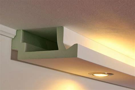 Modernes Stuckprofil Für Die Beleuchtung Wand Und Decke