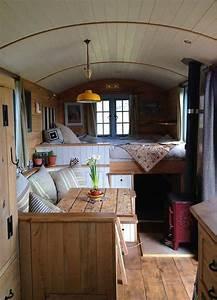 Bauwagen Innen Gestalten : 100 amazing rustic rv interior remodeling design hacks ideas rv camper van camper camper ~ Yasmunasinghe.com Haus und Dekorationen