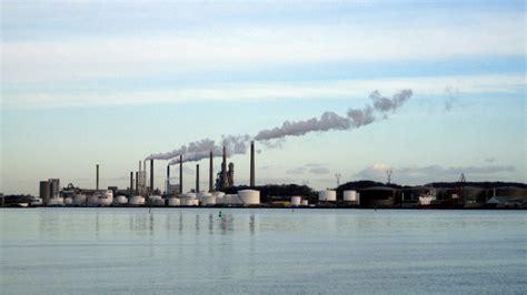 File:Industri Aalborg Limfjord 2012 (ubt).JPG