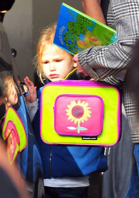 Photos Jennifer Garner Picking Violet Affleck From