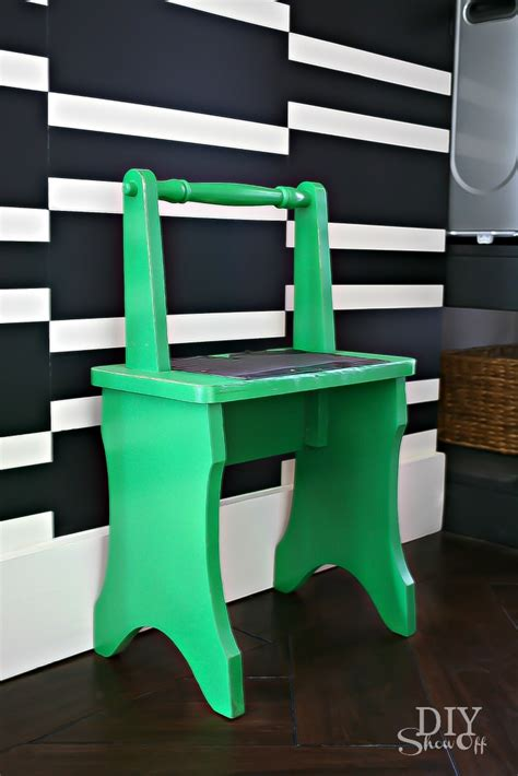 add  pop  color   decor step stool makeover