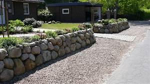 Große Steine Für Garten : steinmauer als blickfang und sichtschutz im garten 40 ideen ~ Buech-reservation.com Haus und Dekorationen