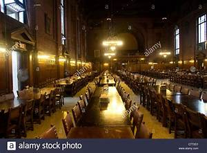 dining hall at Yale University in New Haven CT Stock Photo ...