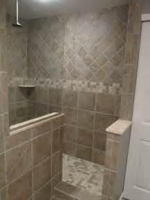 bathroom tile designs gallery 25 best ideas about shower tile designs on bathroom showers master bathroom shower