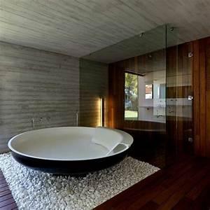 Bilder Freistehende Badewanne : freistehende badewanne blickfang und luxus im badezimmer ~ Sanjose-hotels-ca.com Haus und Dekorationen