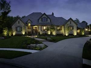 Lumiere exterieur pour jardin terrasse et balcon un jeu for Eclairage exterieur maison contemporaine 5 lumiare exterieur pour jardin terrasse et balcon un jeu