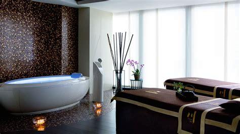 luxury hotel spa spa treatments  langham chicago