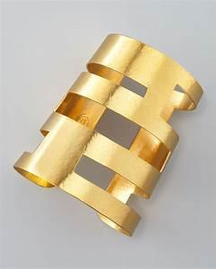 Hervé Van Der Straeten : herve van der straeten geometric cutout cuff in gold lyst ~ Melissatoandfro.com Idées de Décoration
