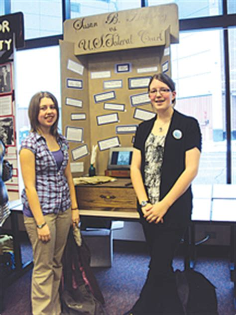 South Haven Tribune   Schools, Education 5.15.17Students put their history skills to the testBy