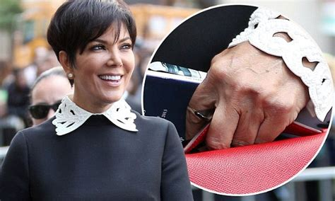 Kris Jenner waves her wedding ring free hand to the crowds ...