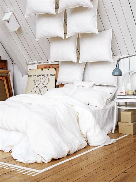 26966 floor bed ideas 25 fabulous bedroom ideas for floor to ceiling headboards