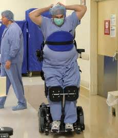 doctor paralyzed from the waist performs surgeries in