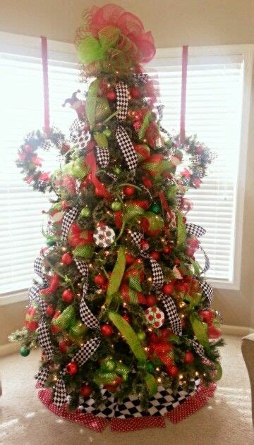 lime green red  black white checked christmas tree
