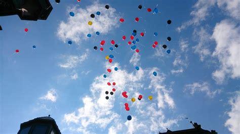 die besten  luftballons steigen lassen ideen auf