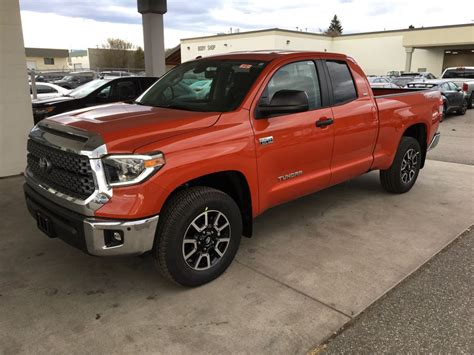 New 2018 Toyota Tundra 4 Door Pickup In Kelowna, Bc 8tu4583