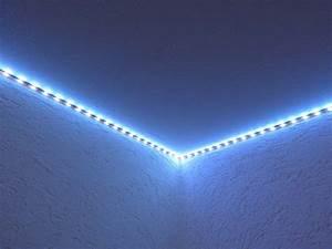 Led Lichtleiste Decke : led streifen cool testbericht lighting ever flexibler rgb led streifen mit 56462 haus ideen ~ Markanthonyermac.com Haus und Dekorationen