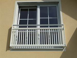 Franzosische gelander multerer balkone ihr partner fur for Französischer balkon mit skulptur holz garten