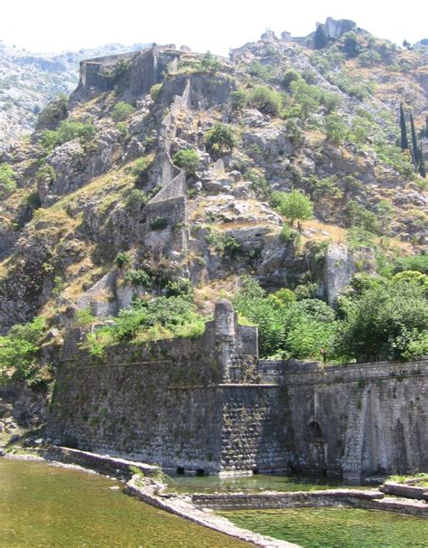 File:Walls.ofKotor-Montenegro.jpg - Wikimedia Commons