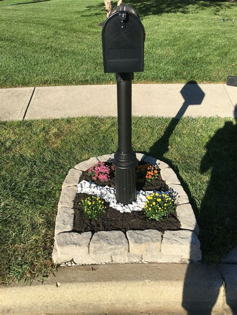25 best ideas about mailbox landscaping on