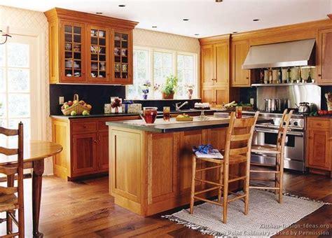 cheap oak kitchen cabinets oak cabinets black counter top kitchen ideas 5341