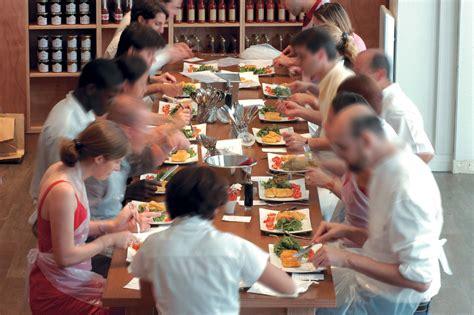 cours de cuisine atelier des chefs l atelier des chefs le partenaire cuisine du quotidien planetloisirs