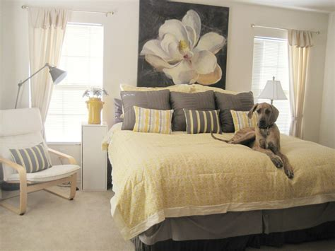 Yellow And Gray Wall Decor by Yellow And Gray Bedding That Will Make Your Bedroom Pop