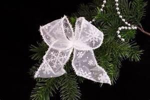 Schleifen Für Weihnachtsbaum : edle schleifen f r den weihnachtsbaum christbaumkugeln christbaumschmuck und weihnachtskugeln ~ Whattoseeinmadrid.com Haus und Dekorationen