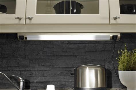 lumiere sous meuble haut cuisine awesome le pour un meuble de cuisine led en cuisine lumire with lumiere sous meuble haut cuisine