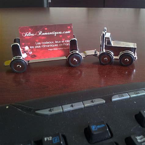 cadeau bureau homme presse papier camion avec remorque aimanté décoration