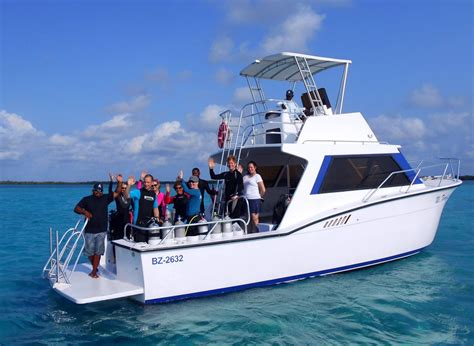 Westerly Dive Boat by Dive Boats Turneffe Flats Belize Turneffe Flats