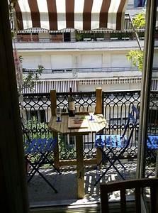 Table De Balcon : table de balcon par zan sur l 39 air du bois ~ Teatrodelosmanantiales.com Idées de Décoration
