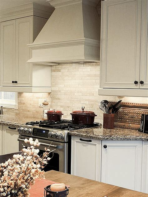 kitchen backsplash ideas with light cabinets ba1092 light ivory travertine kitchen backsplash tile 9061