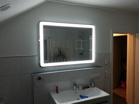 badspiegel led beleuchtung badezimmerspiegel mit umlaufender led beleuchtung wir bauen dann mal ein haus