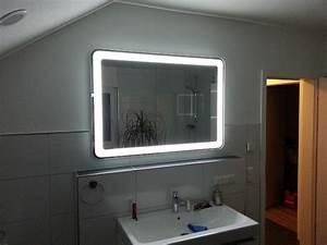 Led Badspiegel Günstig : badezimmerspiegel mit umlaufender led beleuchtung wir bauen dann mal ein haus ~ Indierocktalk.com Haus und Dekorationen