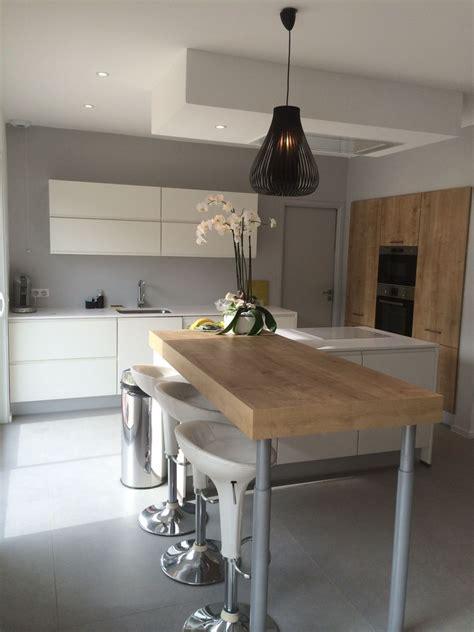 cuisine blanc laqué et bois 10 idées de cuisines aux meubles laqués blancs et bois