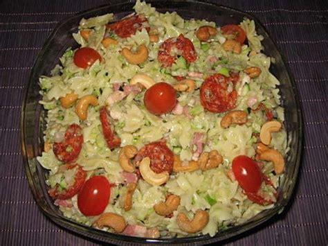 salade de pates pour accompagner un barbecue les meilleures recettes de salade de p 226 tes et courgettes
