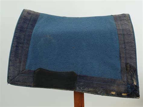 porte tapis de selle porte tapis de selle 28 images barre porte tapis de selle ecurybois tapis de selle shetland