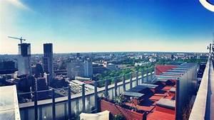 Verkaufsoffener Sonntag Berlin Kudamm : 11 rooftop bars auf denen ihr den sommer in berlin genie en k nnt mit vergn gen berlin ~ Buech-reservation.com Haus und Dekorationen