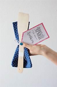 Gutschein Geschenke Verpacken : gutscheine verpacken gutschein f r einen kochkurs selbst gestalten geschenkverpackung ~ Watch28wear.com Haus und Dekorationen