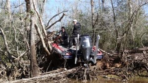 Bassmaster Boat Crash by Iaconelli Boat Wreck On Tournament Day 2