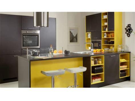 cuisine gris jaune déco cuisine jaune et gris exemples d 39 aménagements