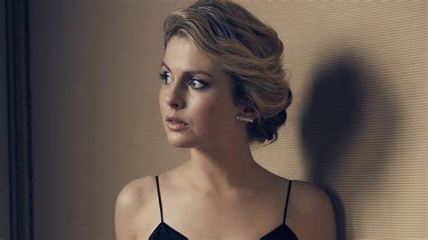 rose mciver wallpapers hd wallpapers id