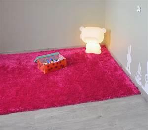 Tapis Rose Fushia : polaire un tapis shaggy douxet tellement craquant blog de d coweb ~ Teatrodelosmanantiales.com Idées de Décoration
