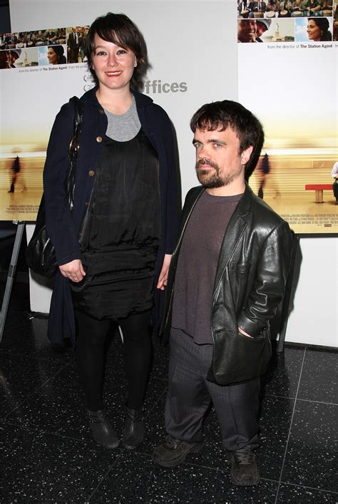 game  thrones peter dinklage   father  simplemost