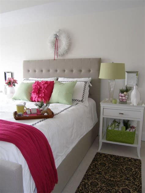 Decorating Ideas For A S Bedroom by Cozy Bedroom Decorating Ideas Festival Around
