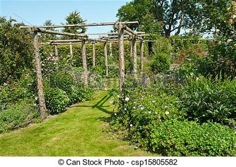 Garden Arch Tunnel by Pictures Of Garden Tunnel Archway In A Classical Garden