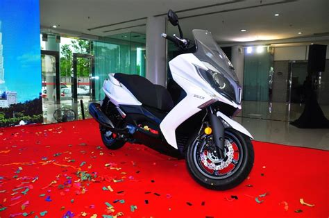 Kymco Downtown 250i Image by New Modenas Karisma Elegan And Kymco Downtown Scooters
