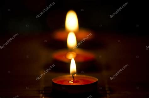 Immagini Candele Accese by Candele Accese Foto Stock 169 Zharate1 36855723