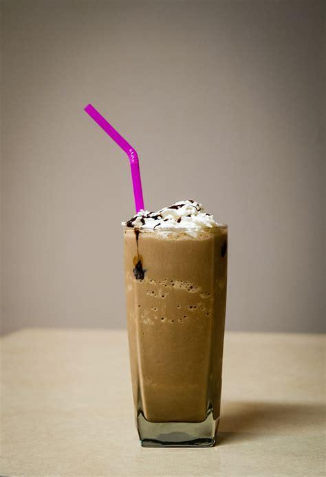 Iced vanilla coffee drink a2milk. French Vanilla Frozen Coffee - Iced Coffee Recipes