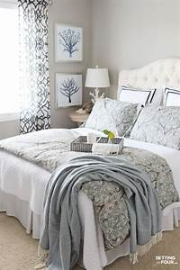 30 Warm and Cozy Master Bedroom Decorating Ideas - HOMEDECORT